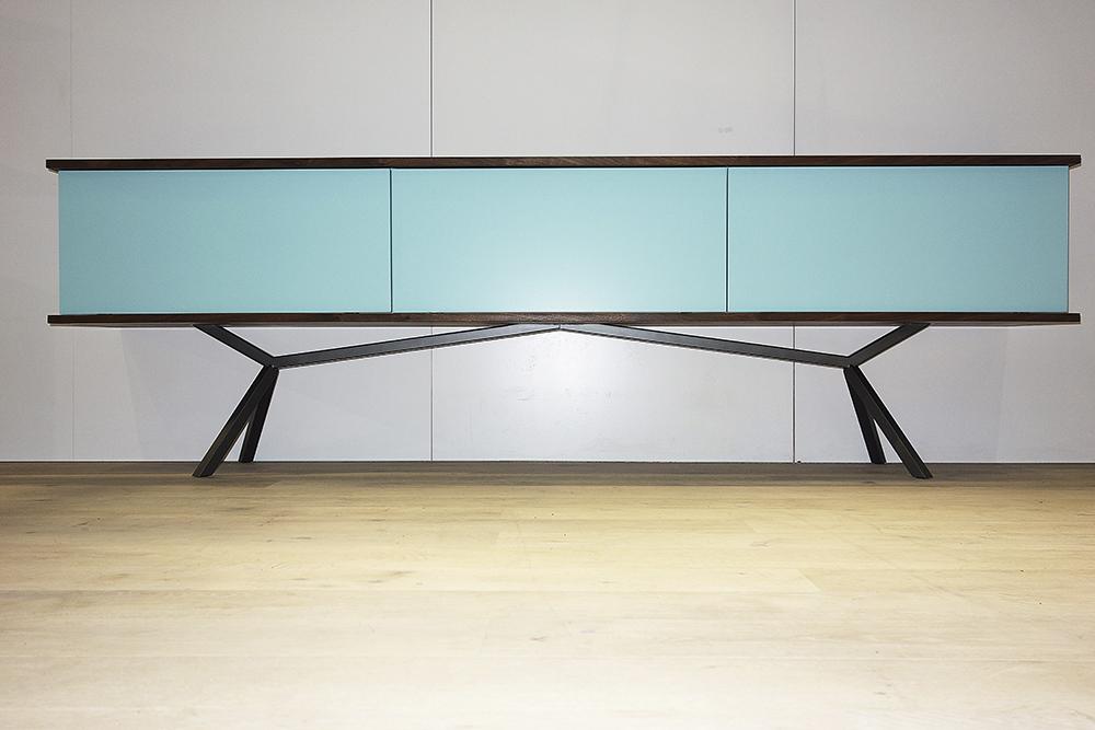 designertische auf der wohnen interieur 2016 massivholz design. Black Bedroom Furniture Sets. Home Design Ideas