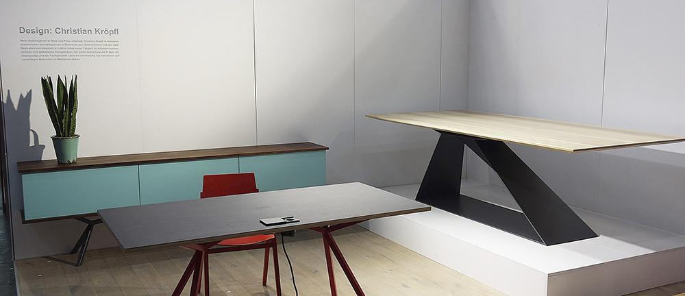 https://www.massivholz-design.at/files/tao/img/news/WI-2016/Sideboard-SB11-KT11-Office-by-Kroepfl-Table-Aero-by-Sekerova.JPG