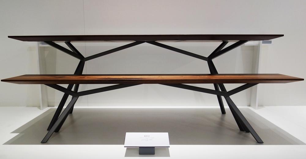 Design holztisch massiv  Elegantes Design | Massivholz Esstisch - Massivholz-Design