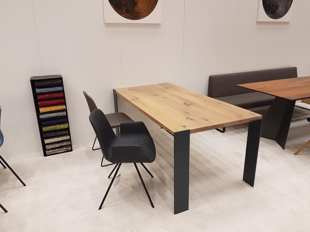 esstisch oder schreibtisch klassisch massiv mit. Black Bedroom Furniture Sets. Home Design Ideas
